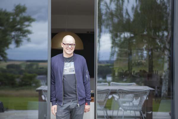 Philippe Geubels in Het huis (c) VRT / Polle Van Rooy
