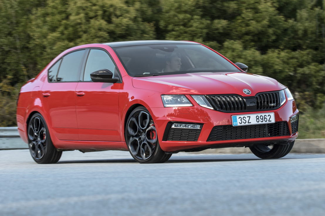 The most powerful and fastest ŠKODA OCTAVIA in the company's history promises the ultimate driving experience. The power output of the ŠKODA OCTAVIA RS 245 has been increased to 180 kW (245 PS). One highlight of the modern chassis technology is the electronically regulated VAQ limited-slip differential.