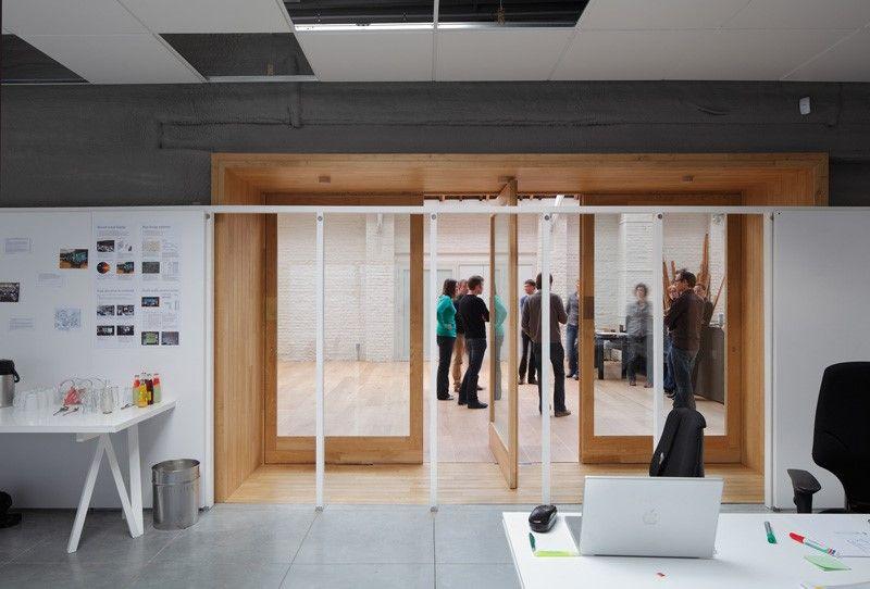 De design studio van Namahn. Fotografie: Stijn Bollard. Kristel Van Ael & Joannes Vandermeulen, Namahn - Henry van de Velde Lifetime Achievement Award 16