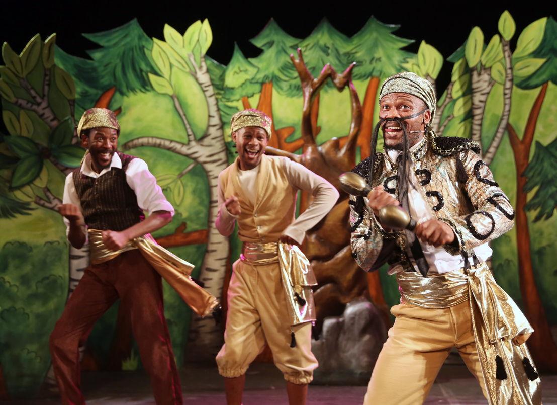The Gruffalo with Ayanda Nondlwana, Mandisi Heshu and Sisonke Yafele - credit Nardus Engelbrecht Cape Town Fringe 2016