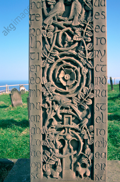 Caedmon&#039;s Cross, St Mary&#039;s Churchyard, Whitby, North Yorkshire. Artist: Dorothy Burrows<br/>AKG4871194