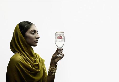 Stella Artois lanceert eerste wereldwijde sociale impact-campagne: 'Buy a Lady a Drink'