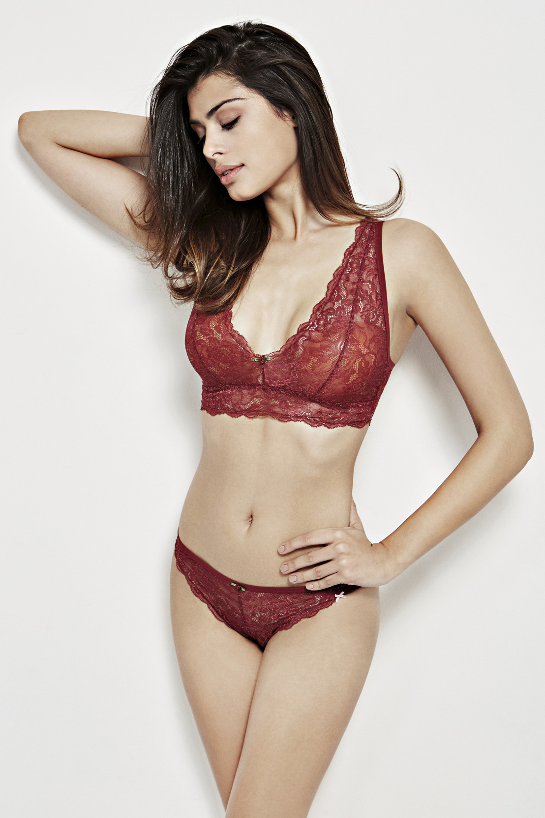 TREND: Lingerie Women FW17: Red Red Wine