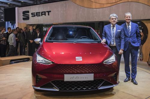 SEAT lance son offensive e-mobilité à Genève