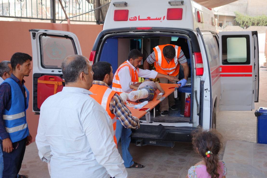 국경없는의사회 병원에서 응급 치료를 마친 환자가 대형 병원으로 이송되고 있다. [Jacob Kuehn/국경없는의사회]
