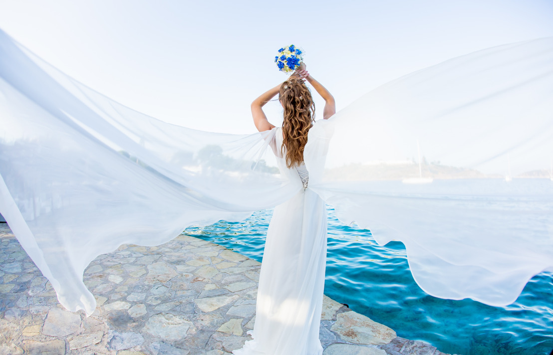 5 reasons why you should tie the knot in GREECE
