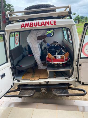 Réponse humanitaire médicale de Médecins Sans Frontières à la fusillade dans une école de Kumba, dans le sud-ouest du Cameroun