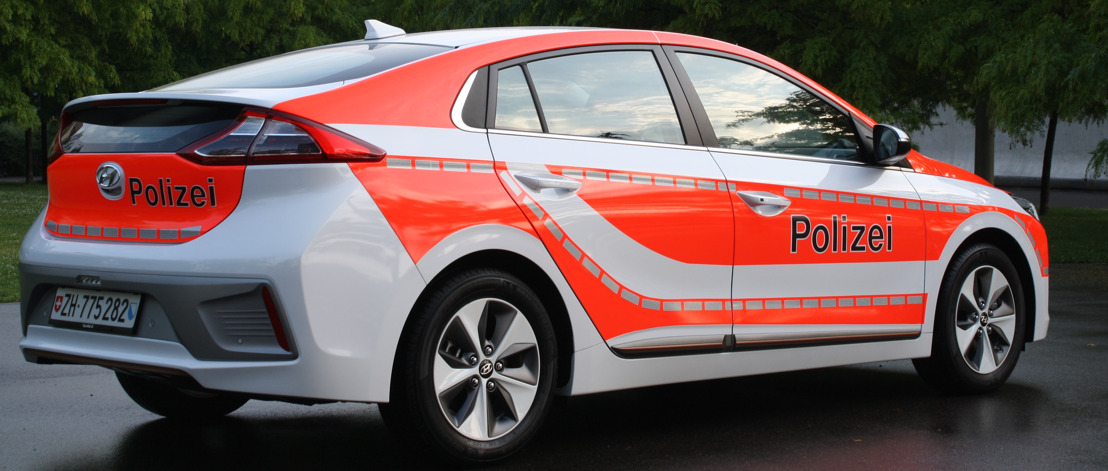 Hyundai presente a Suisse Public 2017 con una IONIQ Electric per la polizia e con l'H350