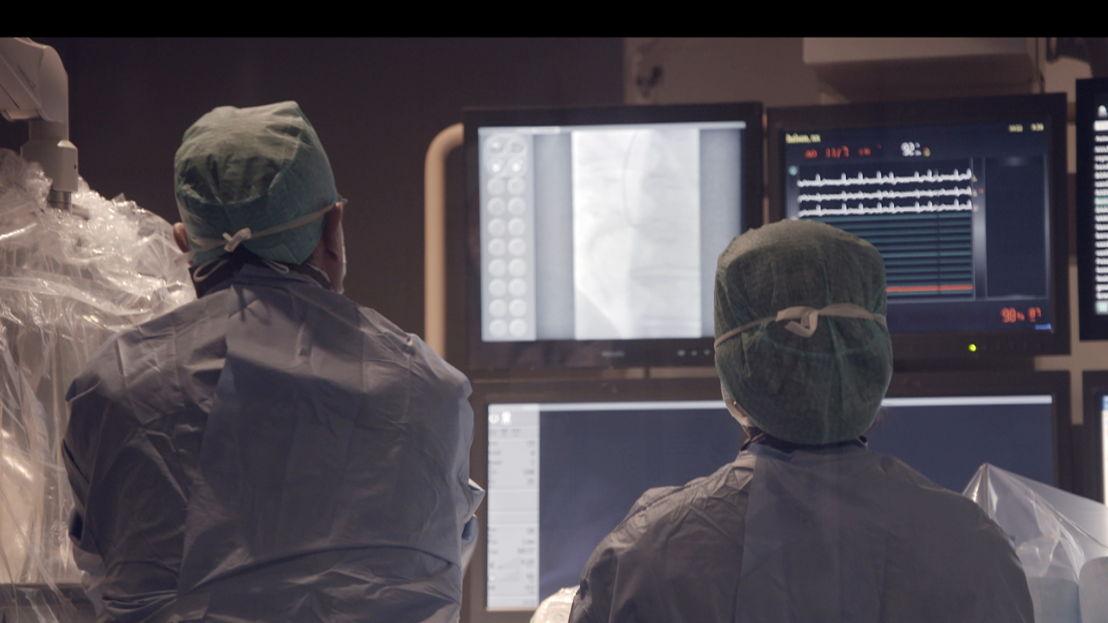 Panorama - De dokter is op - (c) VRT