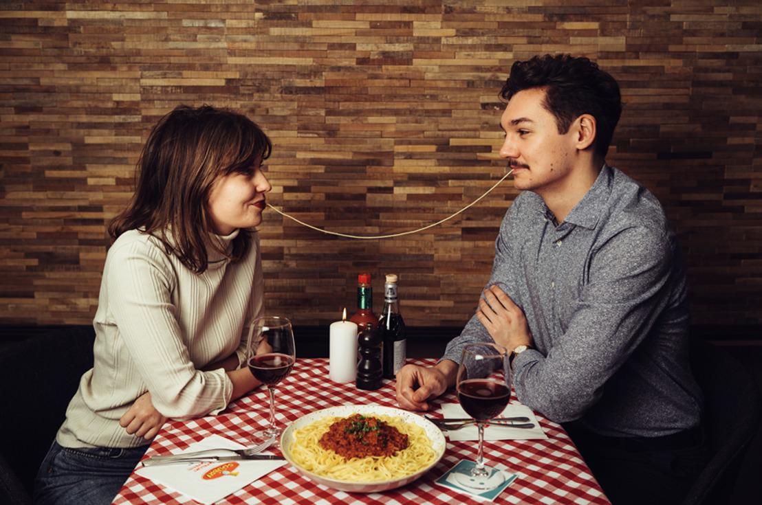 Deliveroo & Soubry vous livrent un plat de LOVE pasta de 1 mètre de long !