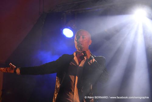 """FABIEN CECCHINI : Après """"Emmène-moi"""" et """"Eclaire-moi"""", il sort un nouveau single """"Il y a toi"""""""