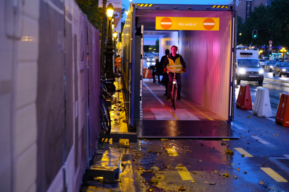 mortierbrigade imagine la première « Bike Light Lane » pour Bike for Brussels.