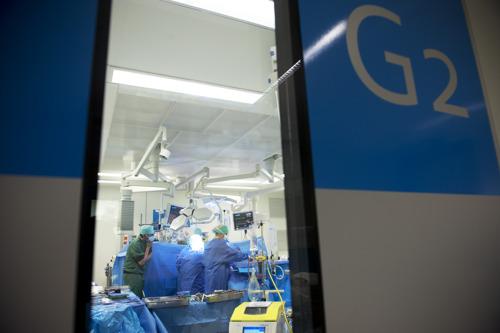 Eerste succesvolle longtransplantatie met longen van ex-COVID-19-patiënt