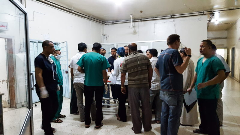 MSF works in partnership with local health authorities in Tal Abyad hospital where it provides lifesaving emergency medical care and secondary medical care. On 25 July, MSF medics treated a family of eight from Raqqa governorate who suffered shrapnel wounds after a child in the family inadvertently picked up an explosive left over from the conflict.