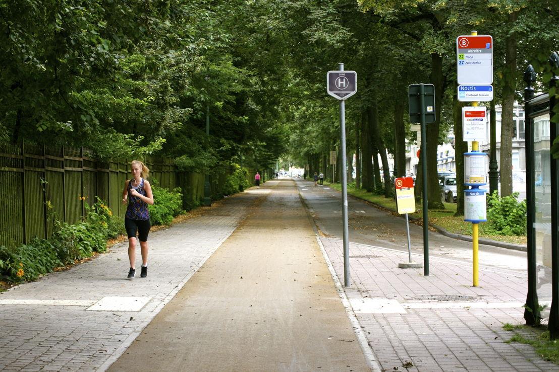 Piste cyclable rue des Nerviens