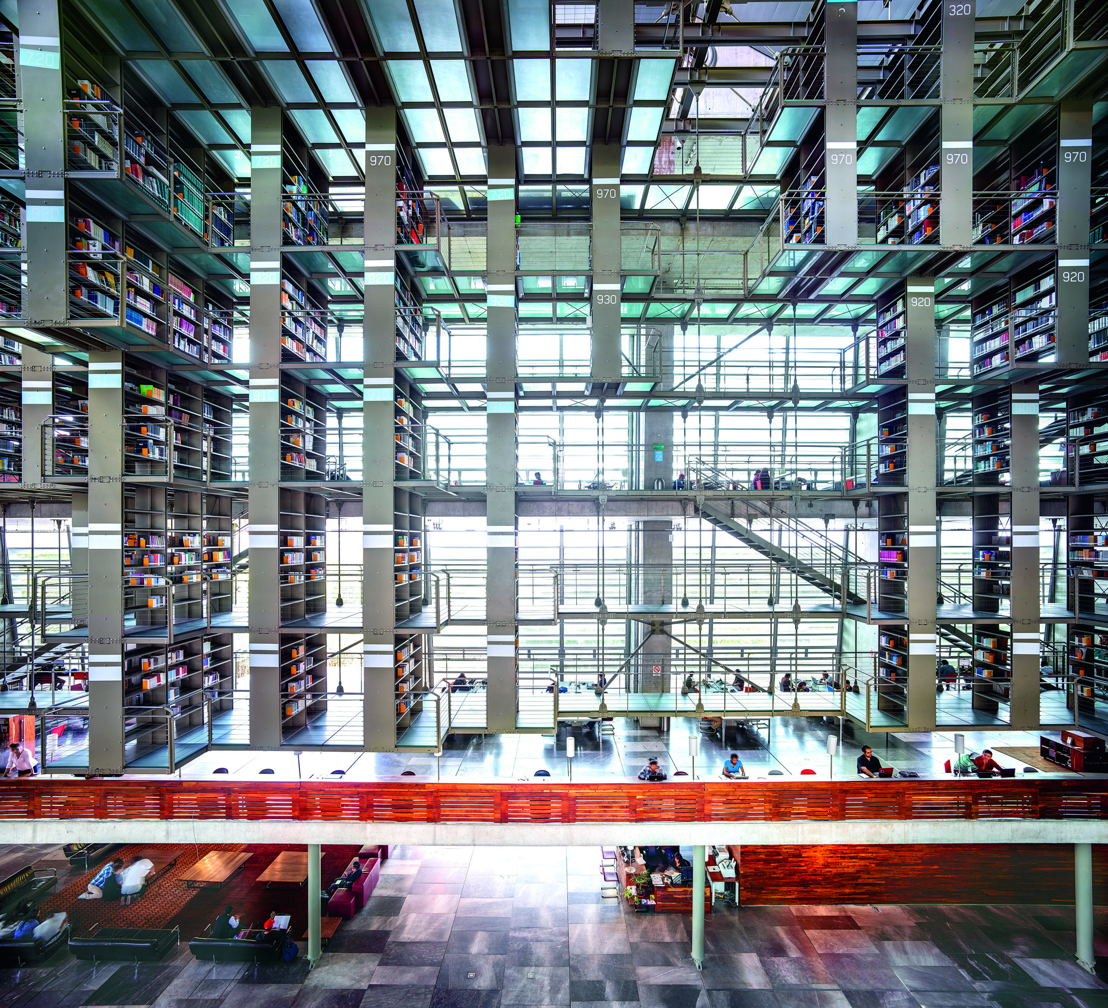 Biblioteca Vasconcelos Ciudad de México I 2015 / © Candida Höfer / VG Bild-Kunst
