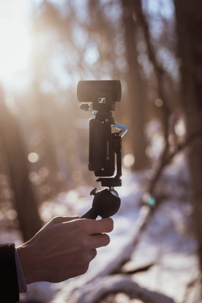 The MKE 200 Mobile Kit with Manfrotto PIXI Mini Tripod and Sennheiser Smartphone Clamp makes this vlogging microphone even more versatile