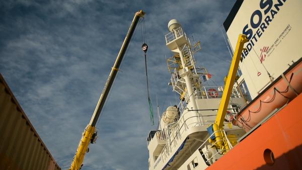 Preview: 지중해 구조선 아쿠아리우스, 유럽의 압력으로 활동 강제 종료