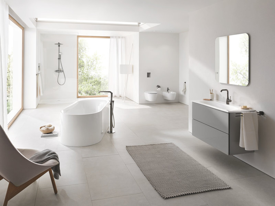 GROHE étoffe encore son portefeuille de solutions complètes pour salles de bains de plusieurs lignes de céramique