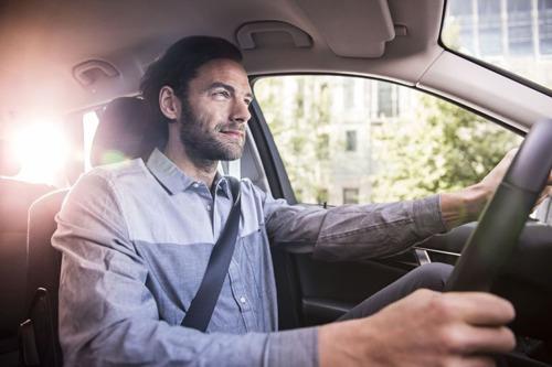 Wie lang onderweg is naar het werk vindt geen tijd om te bewegen