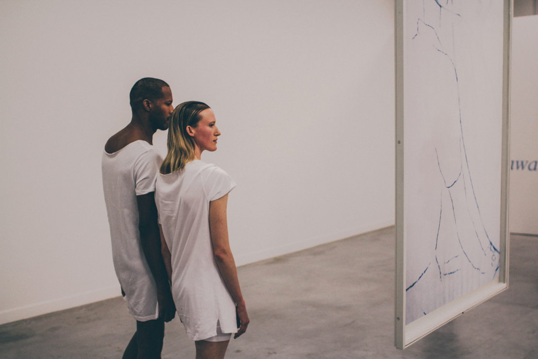 Jimmy Robert, A clean line that starts from the shoulder.<br/>Performance by Jimmy Robert &amp; Gala Moody in M - Museum Leuven, 19 november 2015<br/>Photo (c) Joeri Thiry