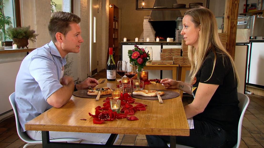 Passie, pizza en tantraseks: Jeroen geeft zich volledig bloot op zijn eerste date met Elke