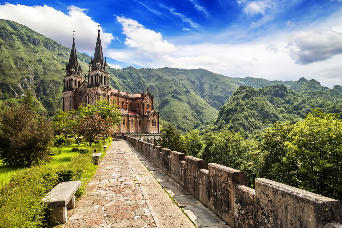 Spain: The sights of Asturias and the Covadonga convent