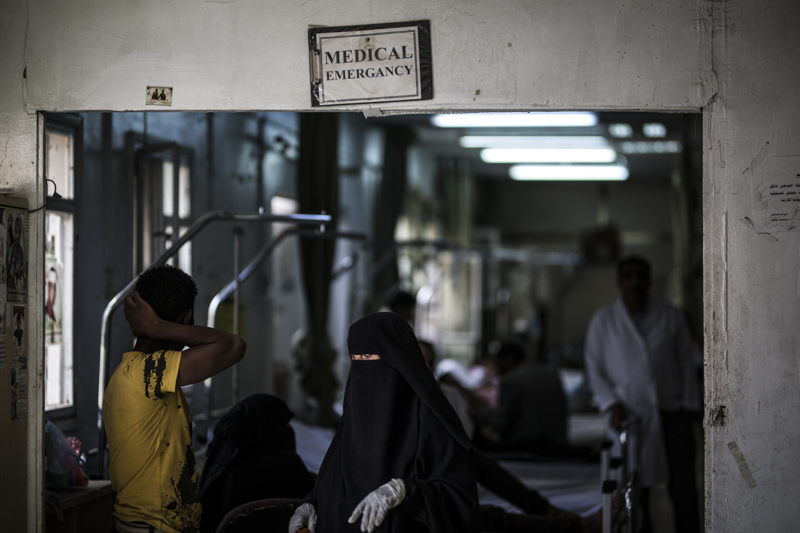 For more than a year, civil servants salaries haven't been paid in Yemen. Despite this, many health workers continue to bear their duties despite growing difficulties. Emergency room of the Al Koweit university hospital in Sana'a - Yemen. Photographer: Florian SERIEX