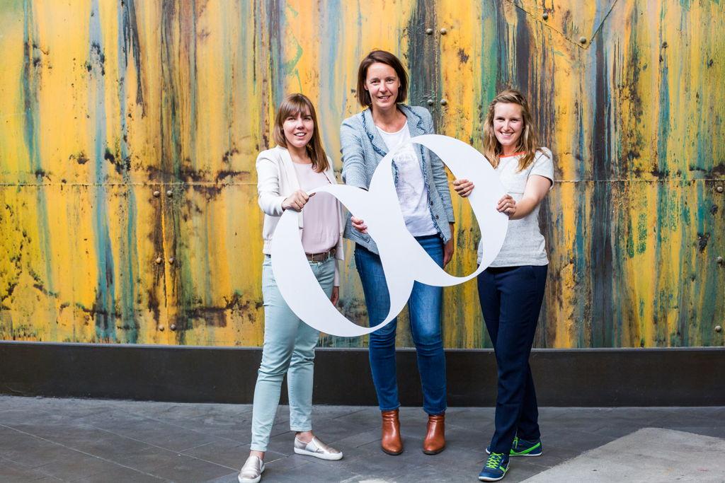 Van links naar rechts: Joyce Lemmens, Ann Deneckere en Hanne Stoppie.