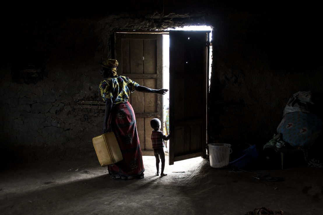 Internally displaced Congolese are seen inside a church, which is used as a shelter in Telega. ©John Wessels/MSF