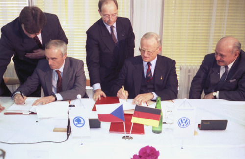 30 years of ŠKODA AUTO in the Volkswagen Group: A European economic success story