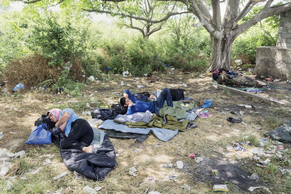Idomeni. Grèce. Trois Afghans à la frontière entre la Grèce et la Macédoine.