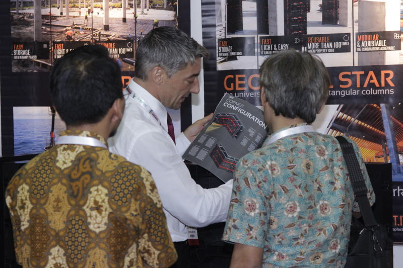 Exhibitors and visitors at Konstruski Indonesia and The Big 5 Construct Indonesia 2016