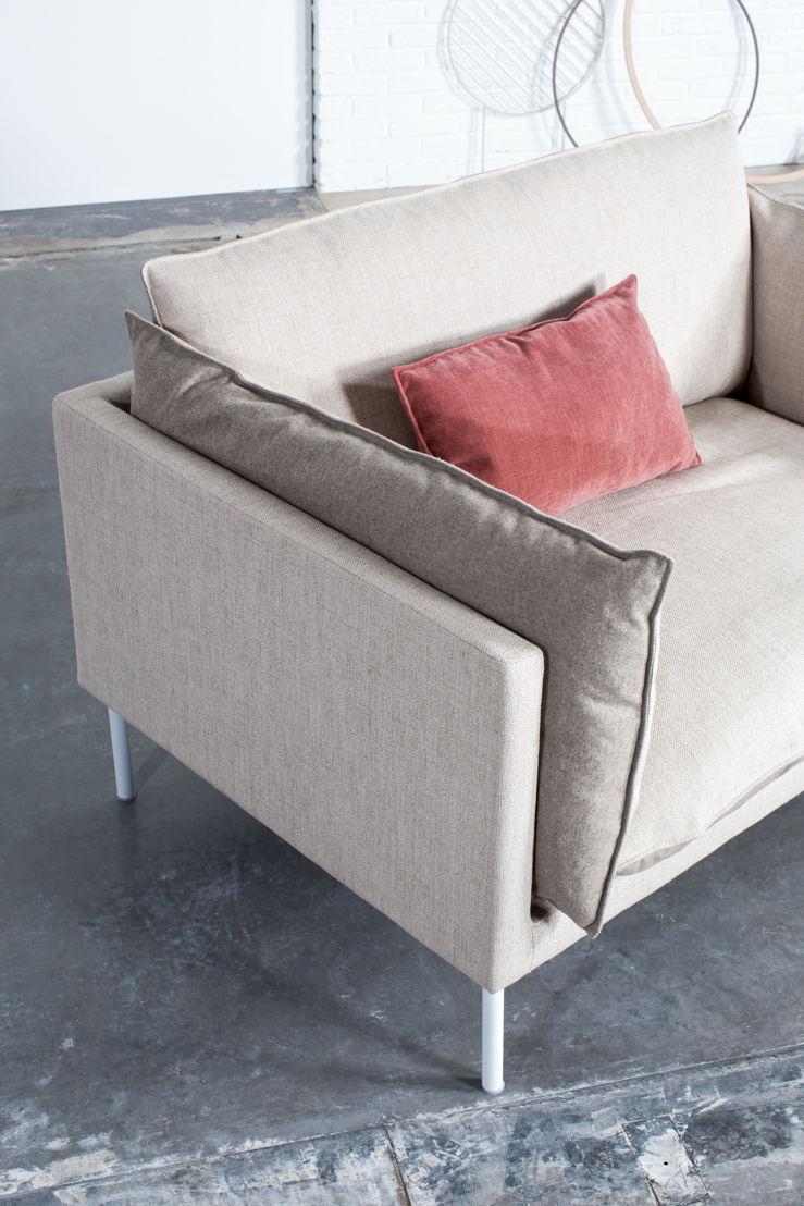 Pillow Talk / Love Seat © Gilles Draps