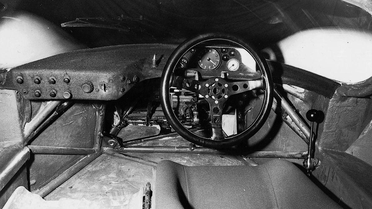 Incluso el Porsche 917, toda una leyenda de Le Mans, carecía de botones y pantallas en su volante.