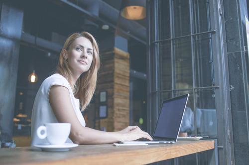 Envie de garder votre train de vie après votre retraite ? Épargnez 85 fois votre salaire mensuel.