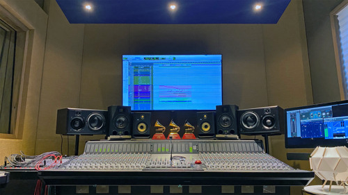 Abbey Road Institute Inaugurates Solid State Logic ORIGIN Mixing Console at its new Miami Location as part of their first music production and sound engineering education program in the USA