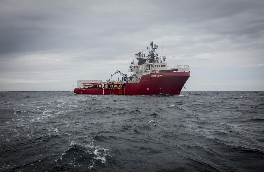 B-roll: El Ocean Viking zarpó anoche desde Marsella para su primera misión de rescate en el Mediterráneo Central