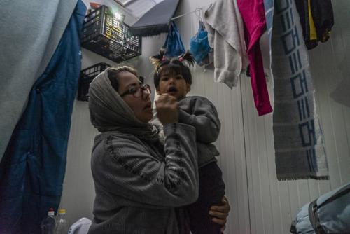 La Grèce refuse les soins à des enfants réfugiés gravement malades à Lesbos