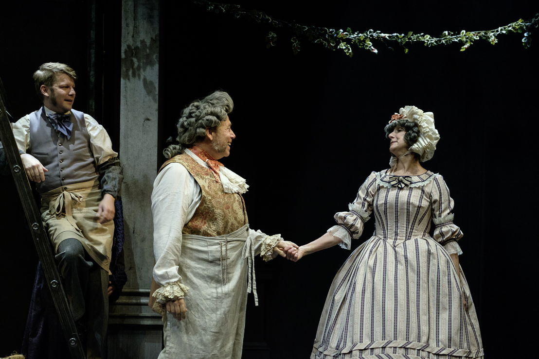 Geoffrey Ewert, Brian Linds and Jan Wood in A Christmas Carol / Photos by Don Craig