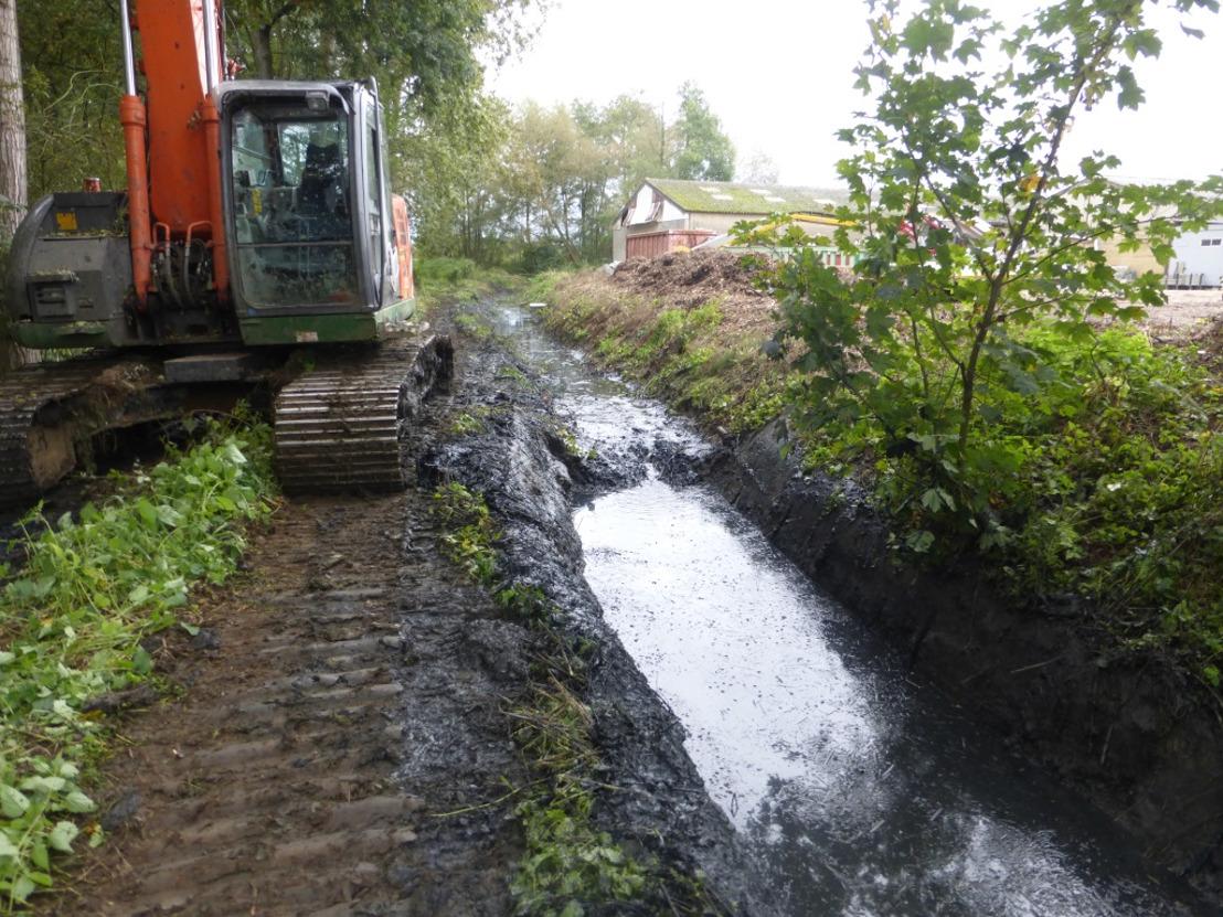 Grondige ruimingswerken aan Vijversloop in Bekkevoort voltooid