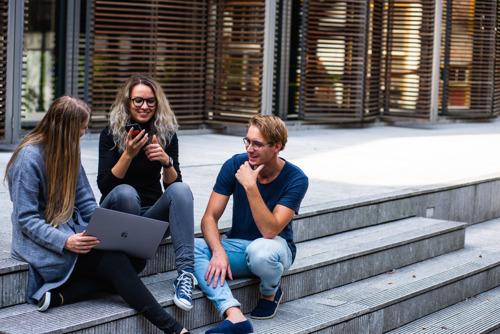 La VGC renforce le soutien linguistique des étudiants bruxellois