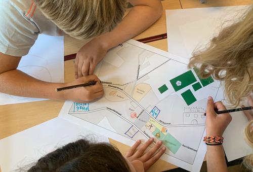 VUB peilt naar mobiliteitsvisie kinderen in Oetingen