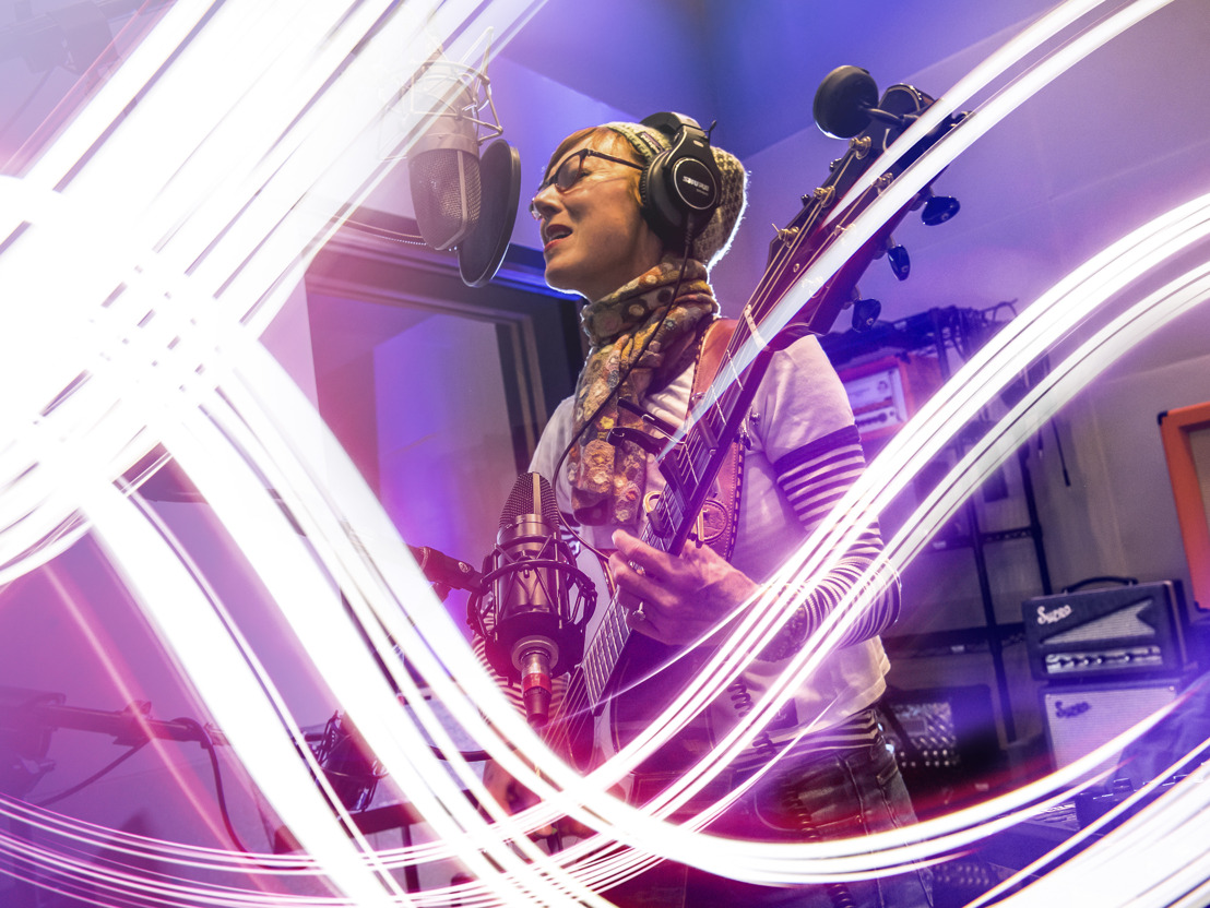 Jonatha Brooke Makes Magic Happen at Sweetwater Studios