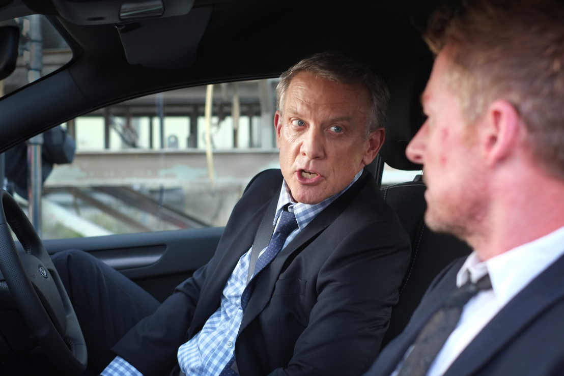 Simon Burke as Det. Warwick Dorman and Richard Roxburgh as Cleaver Greene
