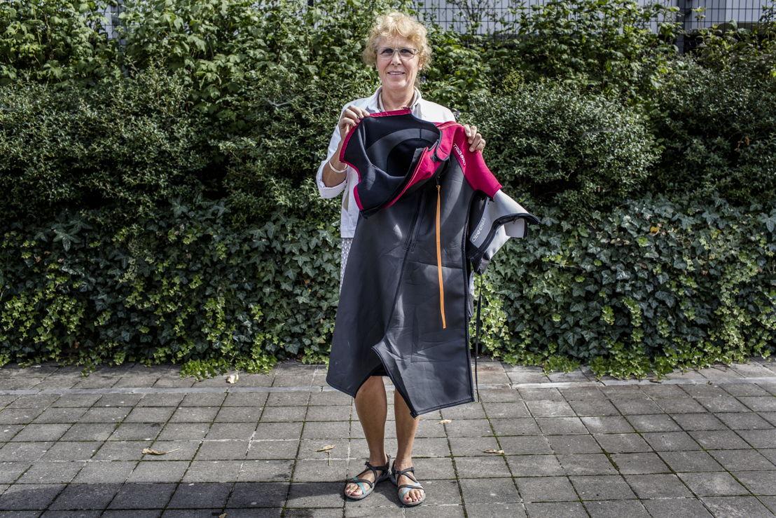 Michèle Rouge en haar ritsbaar duikpak © Frédéric Pauwels