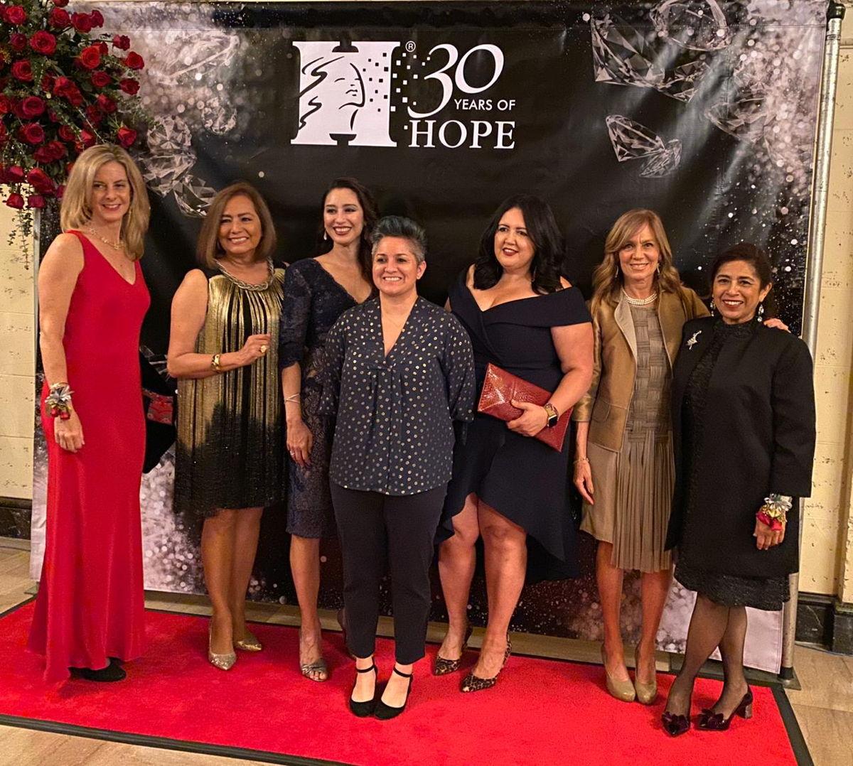Mujeres Líderes de programas de HOPE