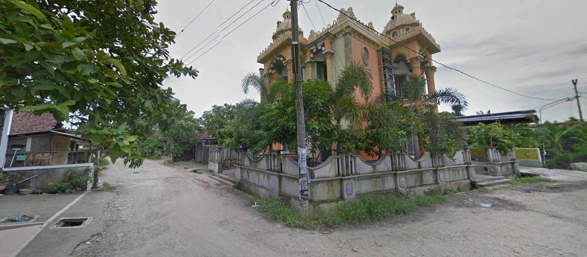 Image of a temple in Jungsemi, Central Java, taken from Google Maps.