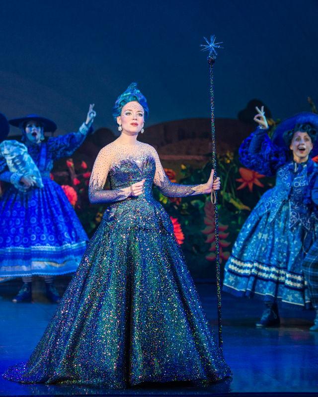 Rachel Womble as Glinda<br/>Photo credit: DANIEL A. SWALEC