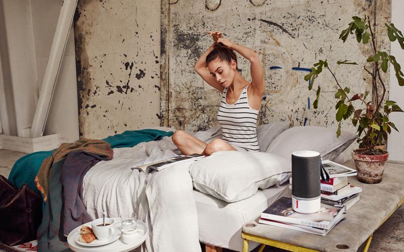 New_ZIPP_Bedroom_Woman.jpg